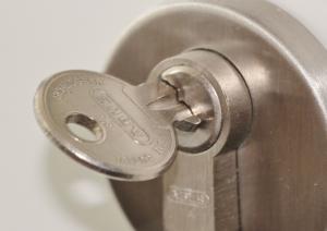 door-lock-407427_960_720